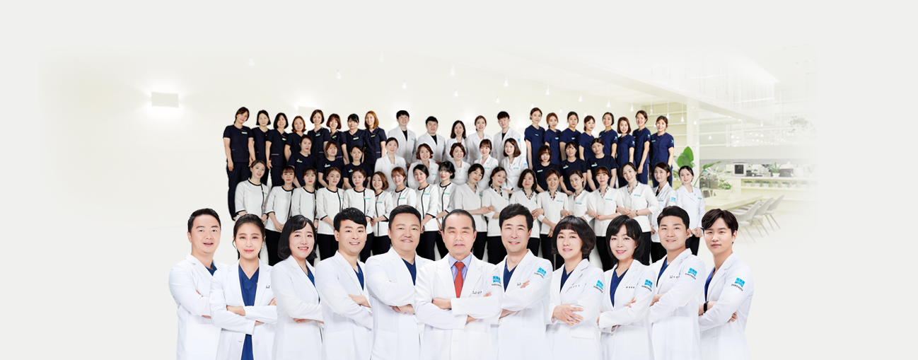 11 ophthalmologists and 150 medical staff members at B&VIIT Eye Center